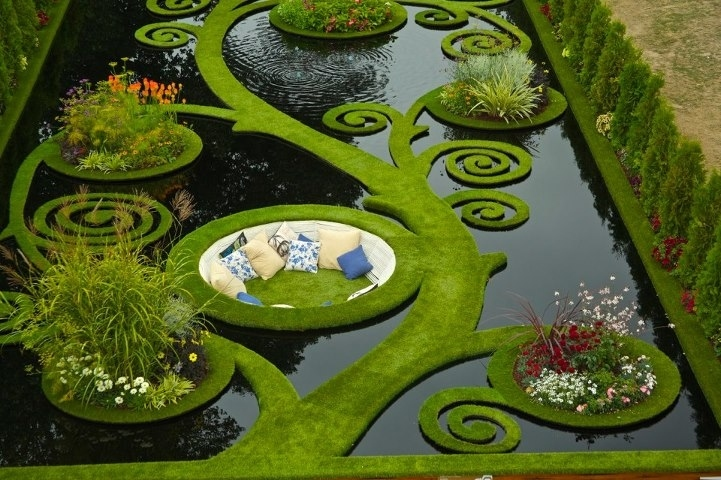 sunken-alcove-garden-in-new-zealand