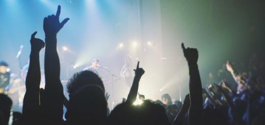 band-cheering