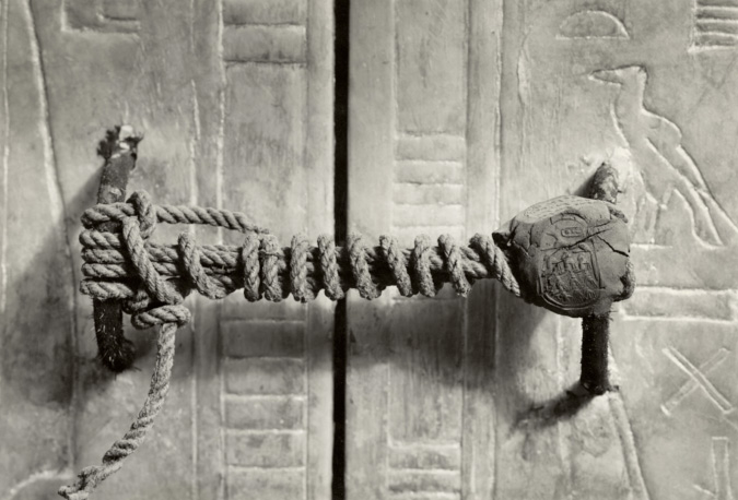 Unbroken-Seal-on-King-Tutankhamens-Tomb